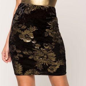 NWOT A'gaci Metallic Pencil Floral Skirt